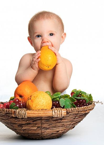 Von Anfang an sollte man auf eine abwechslungsreiche und ausgewogene Ernährung achten.