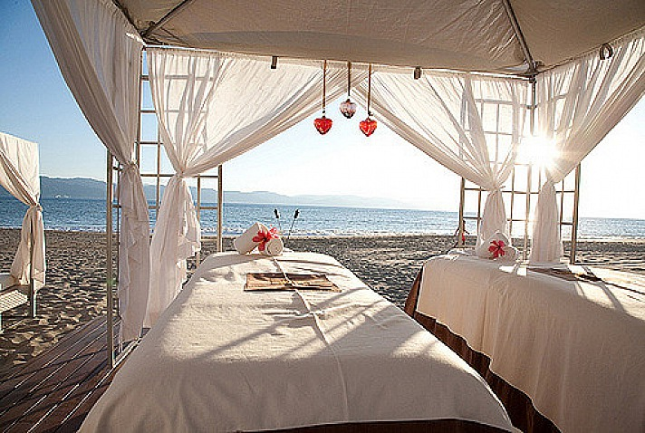 Spa massage with Seaview