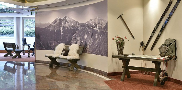 Eingangshalle - Dorint · Alpin Resort · Seefeld-Tirol
