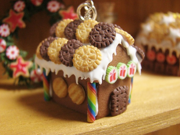 Dumdidim Miniature Gingerbread House (yes another one)