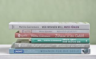 Martina Goernemann: Bücherstapel