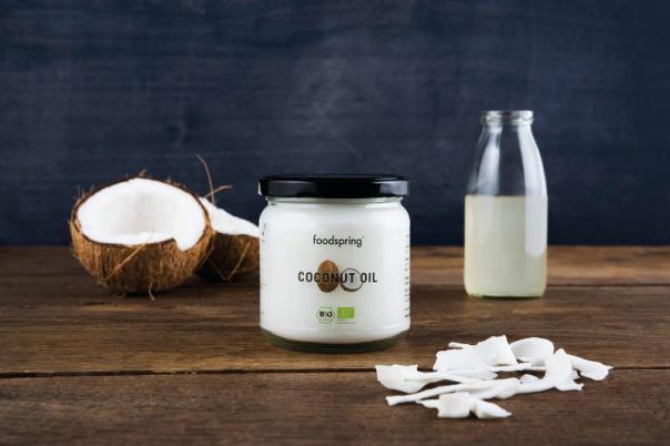 foodspring - Bio Kokosöl mit Kokusnuss