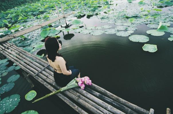 Frau meditation Takmeomeo/pixabay
