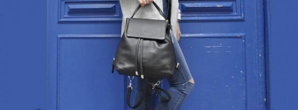 beliya: Tasche und blaue Türe