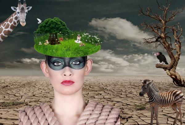 Frau wüste baum gedanken pixel2013/pixabay 1
