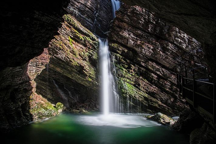 René Hug: Wasserfall