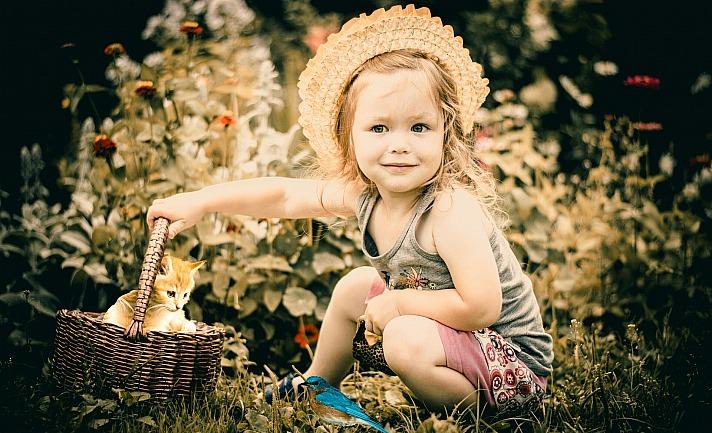 Toddler mohamed_hassan/pixabay 1