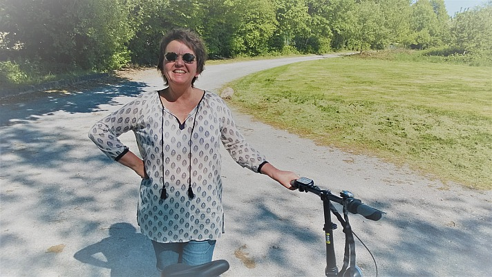 A.T.U - E-Bikes: Annette Maria freut sich auf die entspannte Fahrt