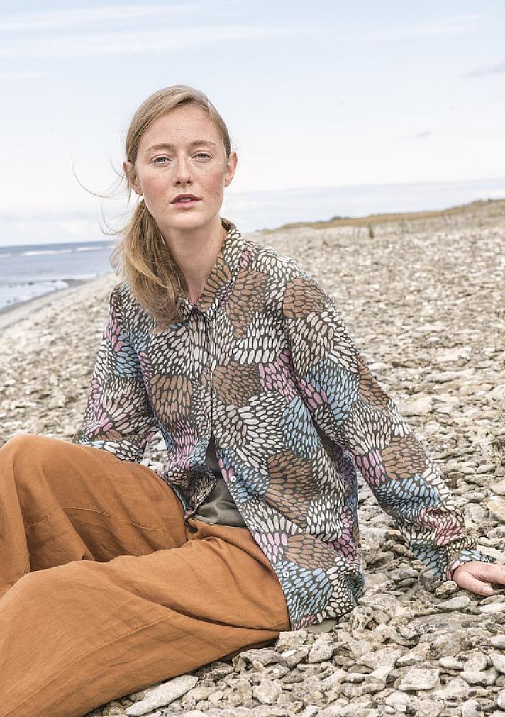 Gudrun Sjödén: Hemdbluse ?Källa? aus Baumwolle