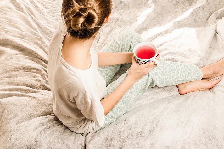 Home woman JESHOOTScom/pixabay 15