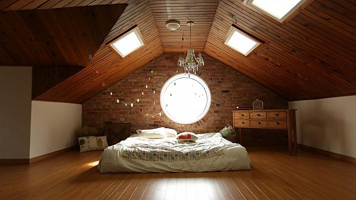 Einbauschränke in der Dachschräge