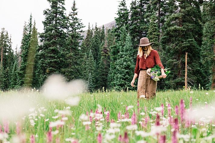 Harvest woman nathanielkohfield/unsplash 10