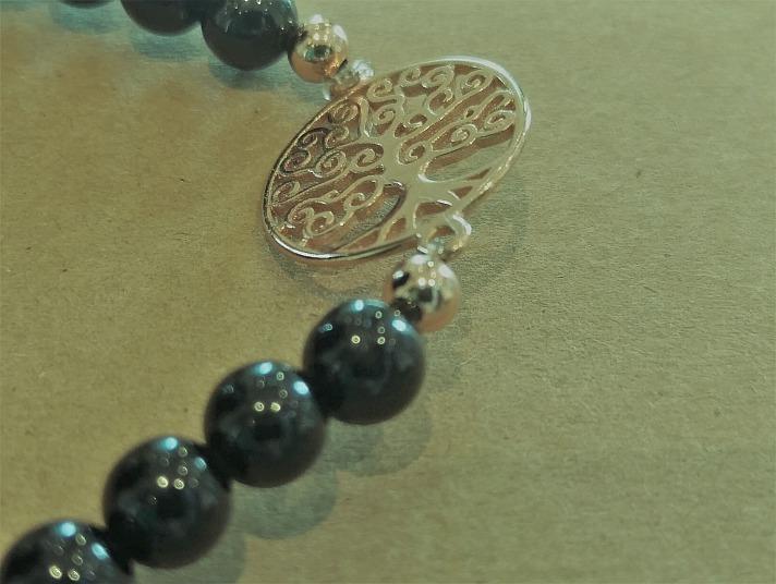 Stoneberry: Der Baum des Lebens – Kraftspender und mystisches Zeichen
