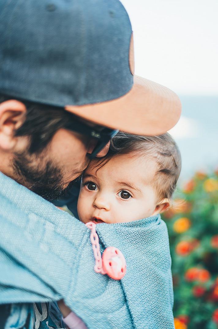 Das Babytragetuch, eine gute Sache für Mutter und Kind