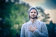 Tom Kraus - Hand aus Herz
