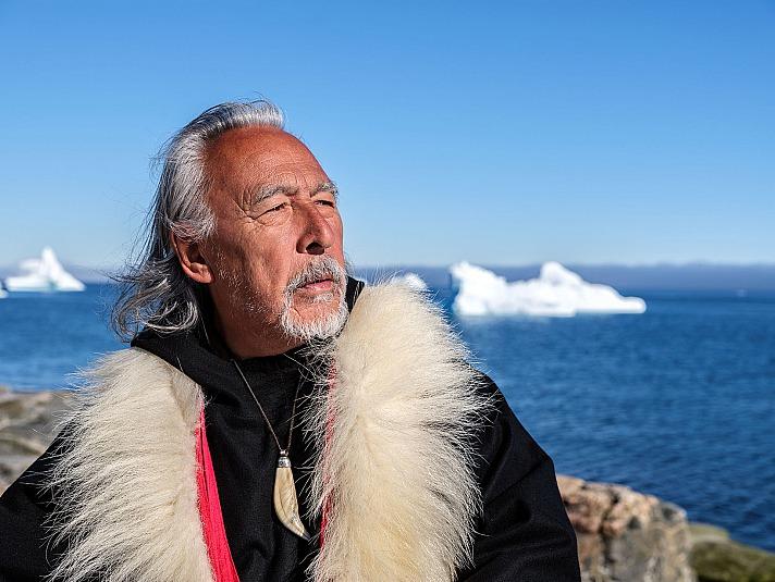 Angaangaq – der Grönlandschamane - Interview mit Grönland Klima-Aktivisten: Das Eis in den Herzen der Menschen soll