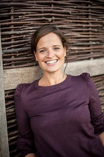 Dana Schwandt