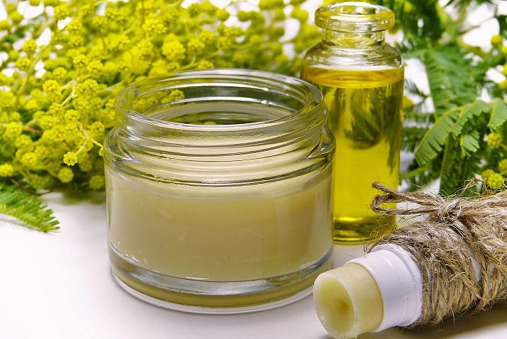 Ätherische Öle kann man auch auf ein Taschentuch träufeln oder auf einen Duftstein geben