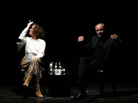 Glück ist eine Farbe und immer nur ein Moment. Ferdinand von Schirach liest im Düsseldorfer Schauspielhaus