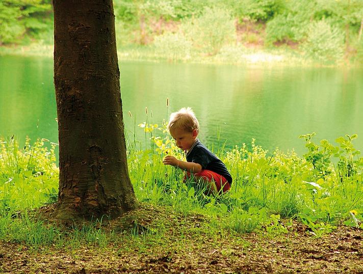 Ohne Empathie, ohne soziales Verhalten und ohne Phantasie und Kreativität werden wir keine lebenswerte Zukunft für uns und unsere Kinder schaffen können