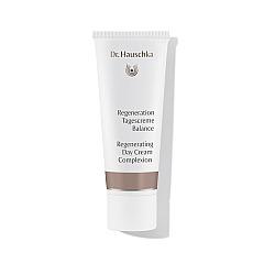 Dr. Hauschka: Regeneration Tagescreme Balance - glättende Gesichtspflege mit Mineralpigmenten, wirkt optisch ausgleichend
