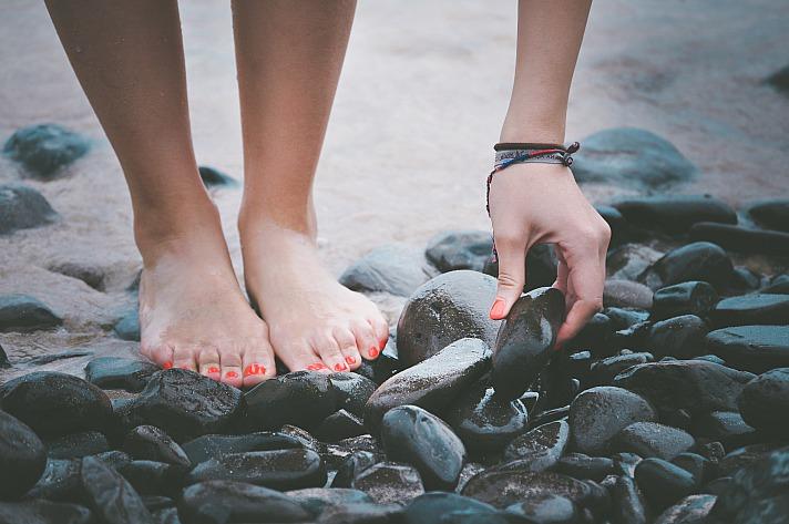 Hands feet priscilladupreez/unsplash 9