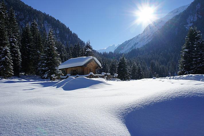 Pulverschnee und Hüttenzauber: Was den Wintersport so bezaubernd macht