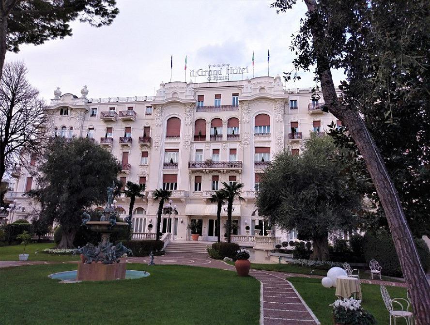 Grand Hotel Rimini: elegantes Grandhotel mit beeindruckender Frontview