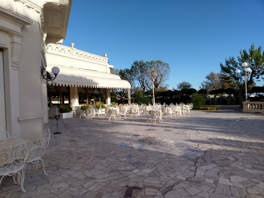 Grand Hotel Rimini: kaum zu glauben, dass es schon anfang Dezember ist. Immer noch wohlig warm.