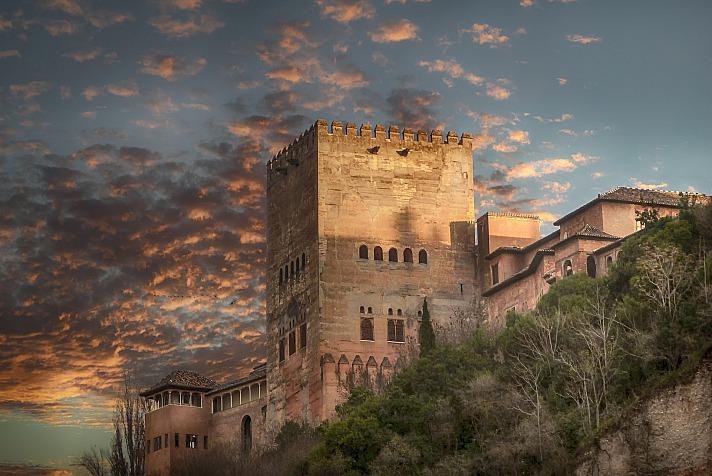 Die Alhambra: Ein Meisterwerk maurischer Baukunst