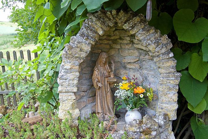 Hildegard Center: Äbtissin Hildegard von Bingen und die Heilkräfte der Kräuter