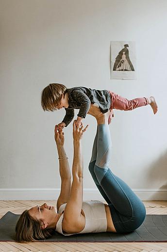 Wir spielen Yoga