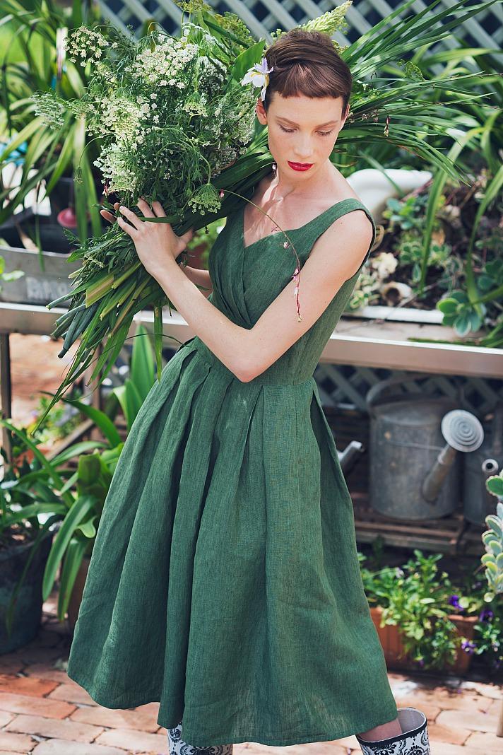 Wenn die Hochzeit in einem Garten stattfindet, warum dann nicht klassische Gartendekoration verwenden?