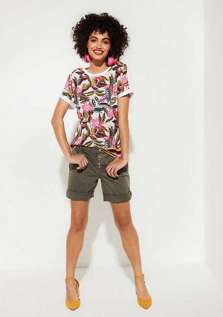 Kurze Hosen für Sie: In der Freizeit und im Beruf toll gestylt - Comma Shorts