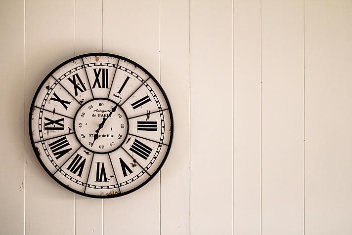 Wanduhren messen nicht nur die Zeit, sondern schmücken unsere Wände