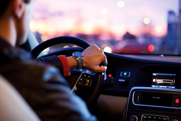 Sorgenfrei losfahren mit der richtigen Autoversicherung