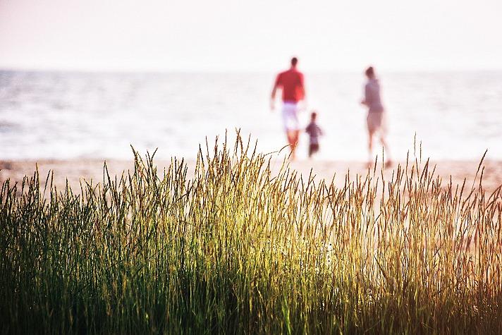 Eltern können in Gelassenheit, Souveränität und Einklang mit dem eigenen Erziehungsstil finden.