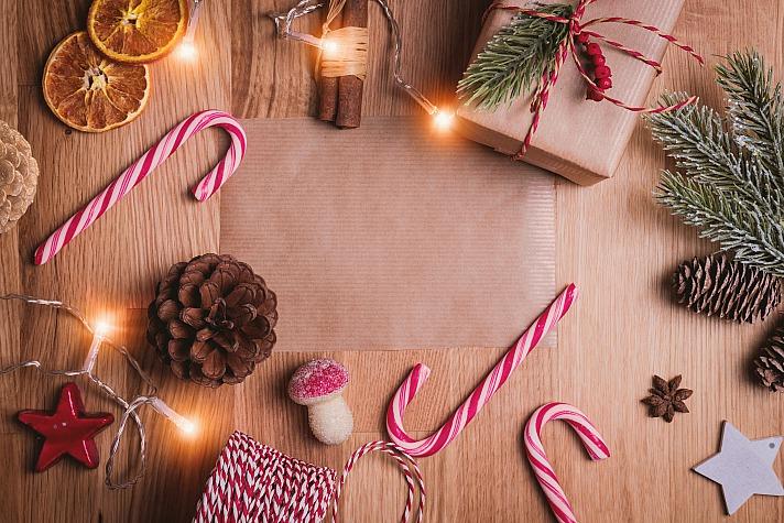 Weihnachtliche Farben geschickt kombinieren