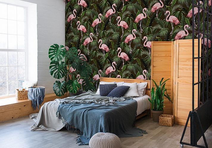 Fototapete Flamingo mit Palmenblättern im Schlafzimmer