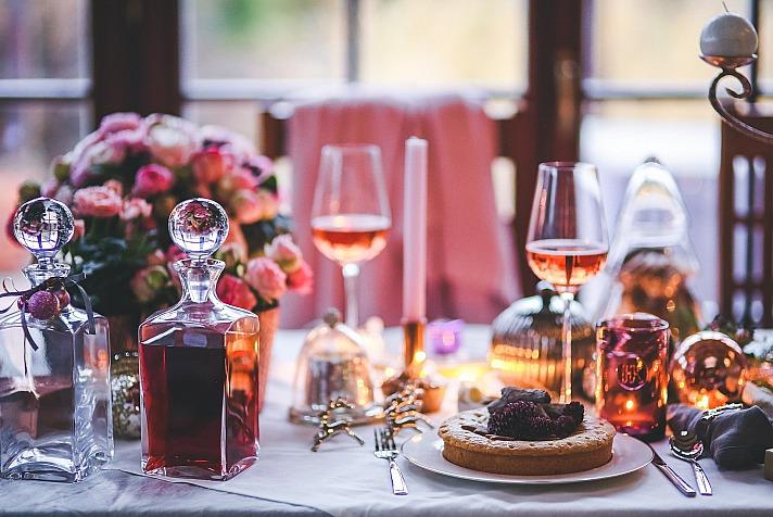 Weihnachtstafel - stilvoll und festlich den Tisch decken