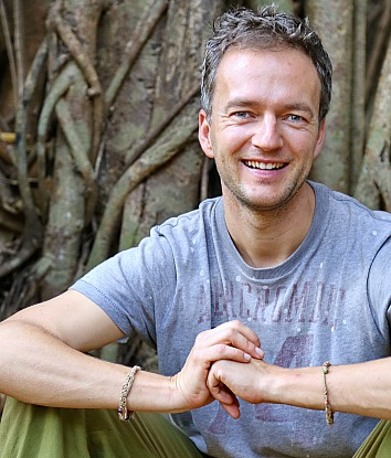 Yoga-Lehrer Silvio Fritzsche von Yoga Chemnitz