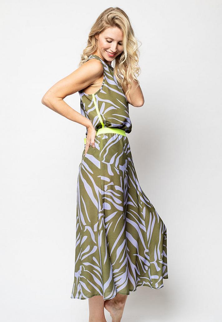 Emily van den Bergh: Das unkomplizierte Strandkleid oder das weitschwingende Modell mit Print