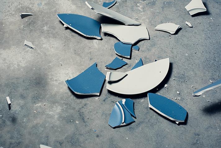 Später habe ich im Zorn die Wand angeschrien oder kontrolliert gegen Straßenmasten getreten