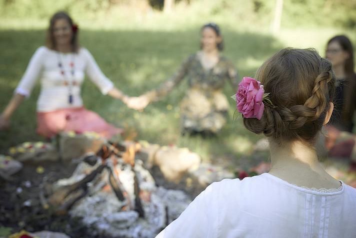 Die Menstruation und das Leben feiern