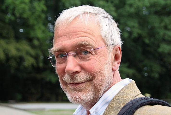 Interview mit Hirnforscher Prof. Gerald Hüther: Lieblosigkeit macht krank