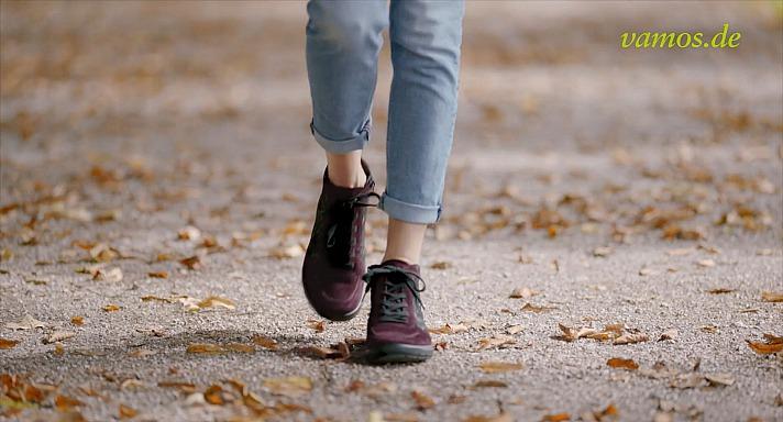 Welche Schuhe werden wir zum nächsten Herbstspaziergang durch die City oder den Stadtpark tragen?