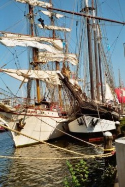 Sail 2005 | Fahrzeuge & Verkehr » Wasser | Iris Kämmle / pixelio