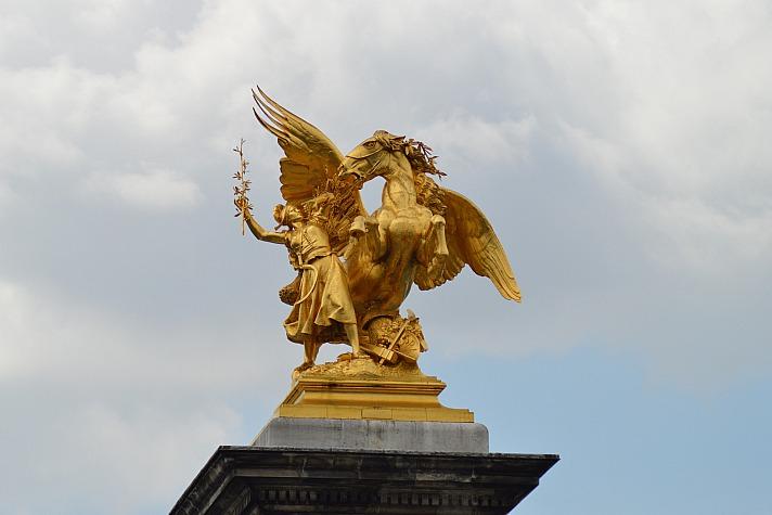 Statue Paris ADGraphics/pixabay 25
