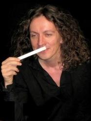 Duftwelten - Parfumeur Uwe L. Manasse erschafft unsichtbare Lyrik ...