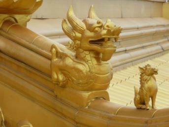 Dachdetail eines buddhistischen Tempels | Städte » Asien | Cornerstone / pixelio